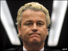 geertwilders_tobecharged_underpoliceprotection