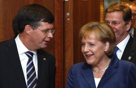 Balkenende_Merkel_Reuters